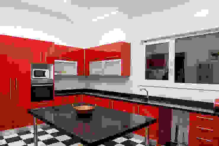 ESTUDIO BASE ARQUITECTOS Cocinas de estilo moderno