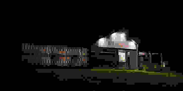 ESTUDIO BASE ARQUITECTOS Scandinavian style houses Wood