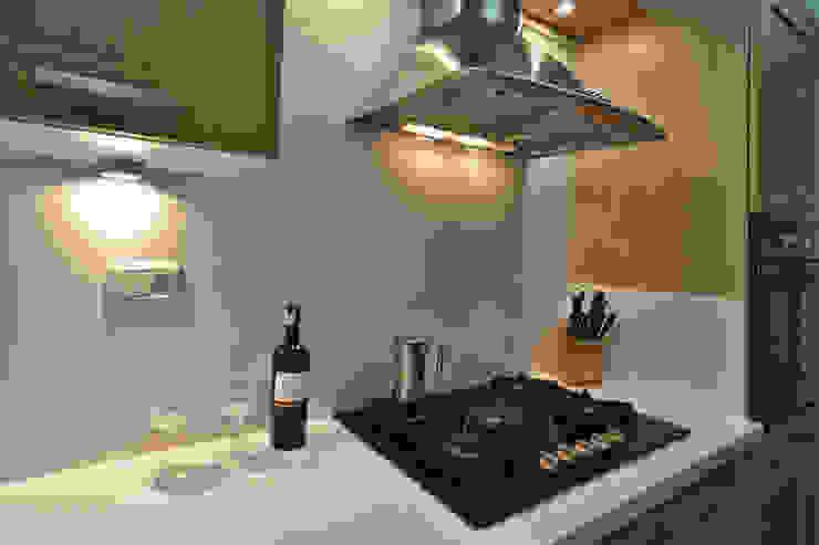 Cocina Cocinas de estilo clásico de Loft estudio C.A. Clásico Madera Acabado en madera