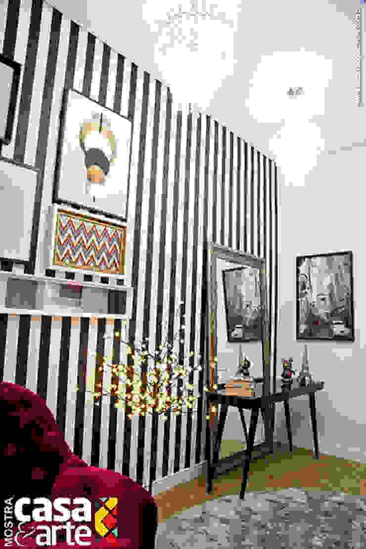 Pasillos, vestíbulos y escaleras de estilo ecléctico de Franka Arquitetura Ecléctico