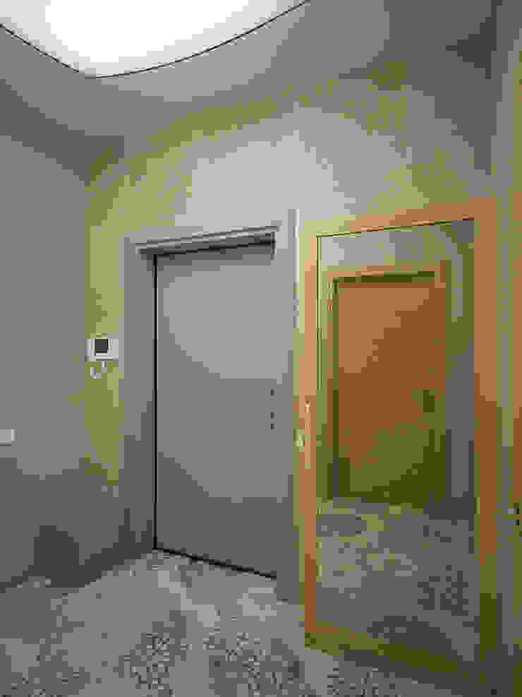 Scandinavian style corridor, hallway& stairs by Студия дизайна Марии Губиной Scandinavian