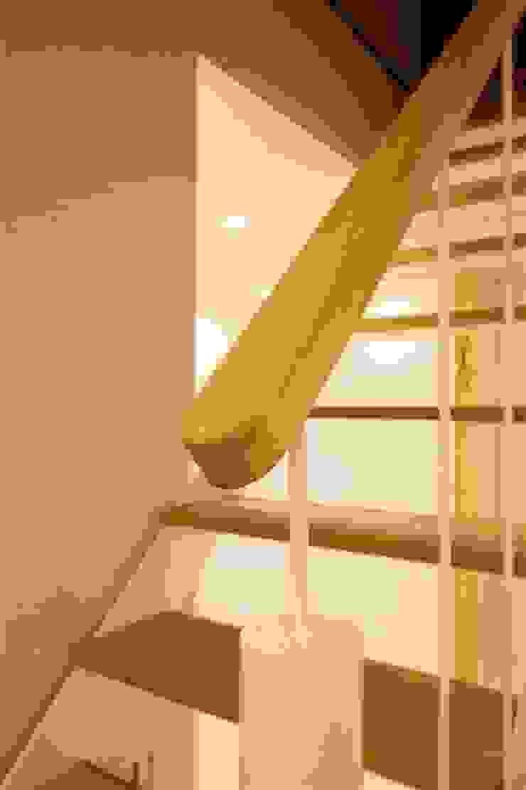 modern  by 有限会社ミサオケンチクラボ, Modern Wood Wood effect