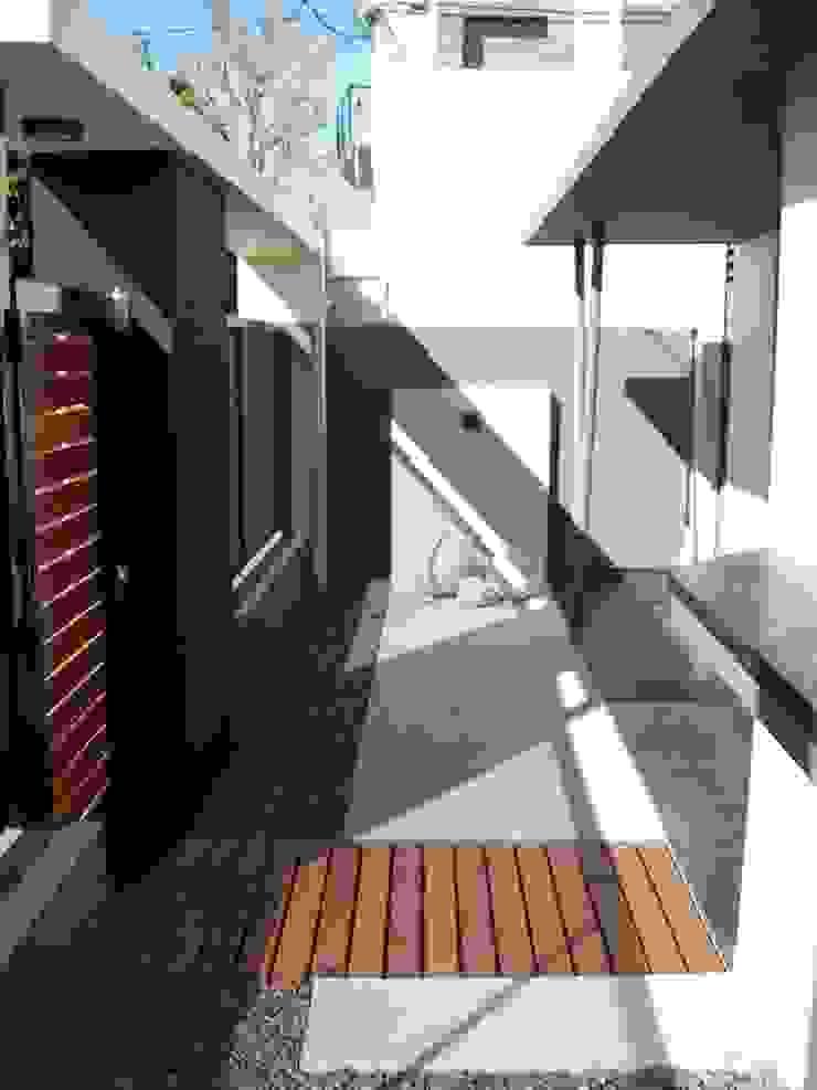 OFICINA DE ARQUITECTURA Oficinas y comercios de estilo moderno de D'ODORICO arquitectura Moderno