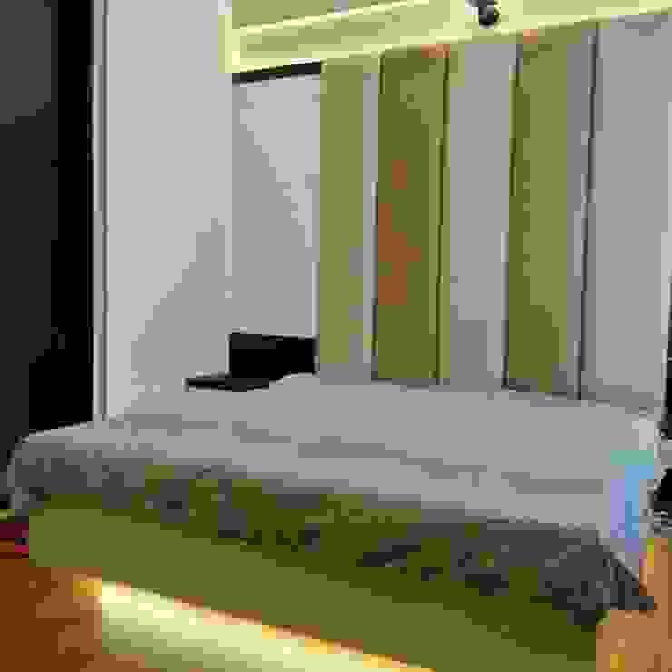 Dormitorios de estilo moderno de CREATIVE STROKES Moderno Contrachapado