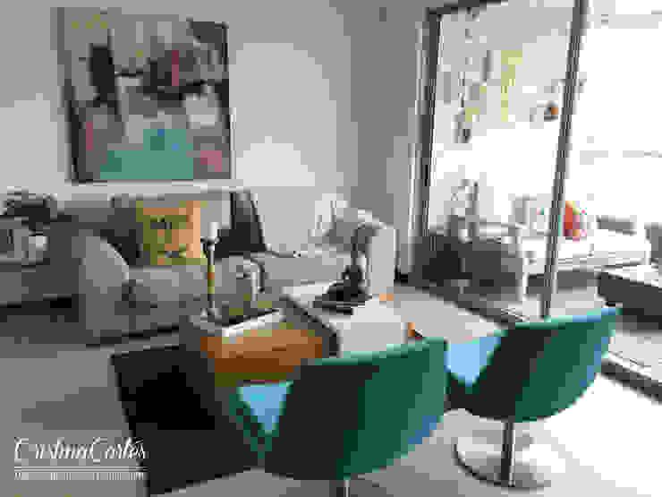 Salas/Recibidores de estilo  por Cristina Cortés Diseño y Decoración ,