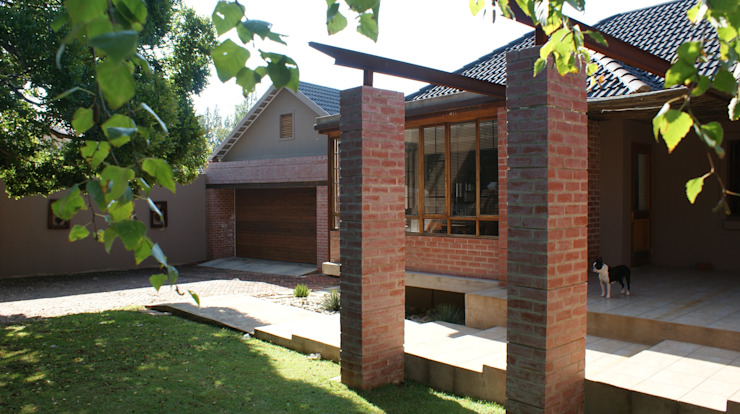 House De Necker, Bloemfontein, Free State, Renovation by Sm!t Architects