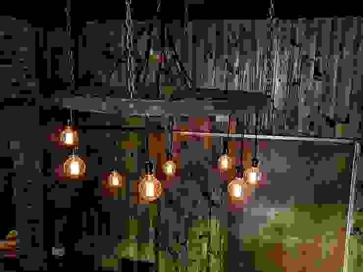 LAMPARA ESTILO INDUSTRIAL, FOCOS EDISON:  de estilo industrial por Lamparas Vintage Vieja Eddie,Industrial