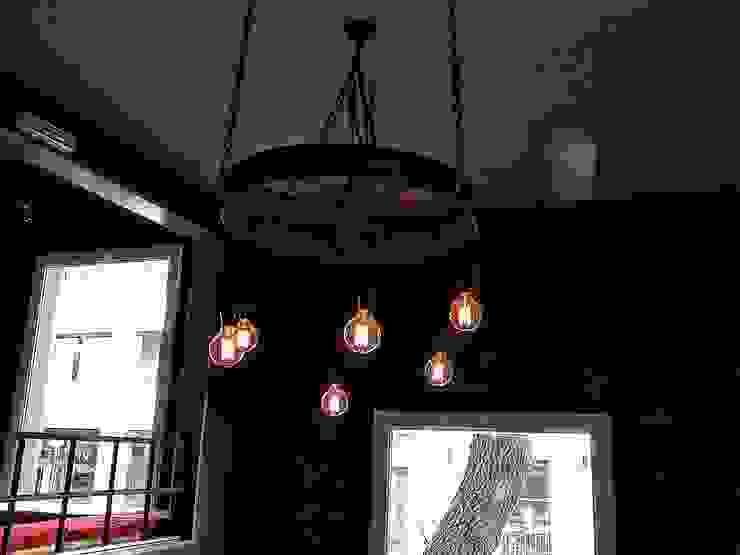 LAMPARA COLGANTE INDUSTRIAL VINTAGE:  de estilo industrial por Lamparas Vintage Vieja Eddie,Industrial