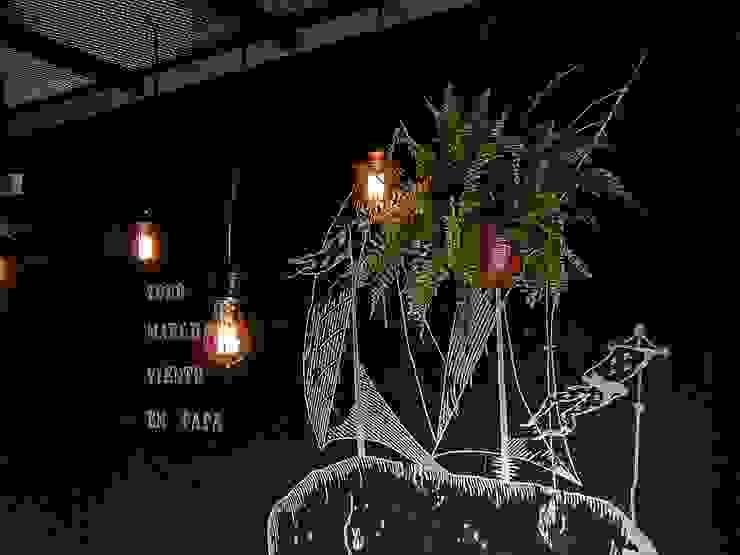 LAMPARA COLGANTE FOCOS EDISON:  de estilo industrial por Lamparas Vintage Vieja Eddie,Industrial