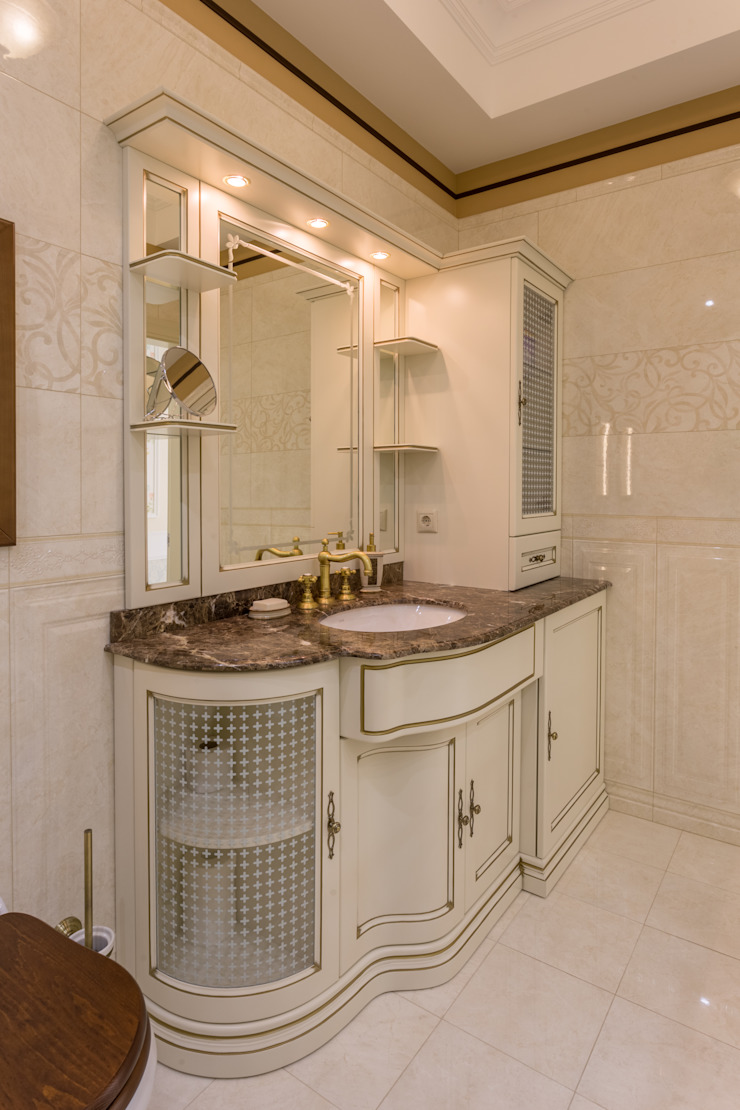 Bellarte interior studio Classic style bathroom White