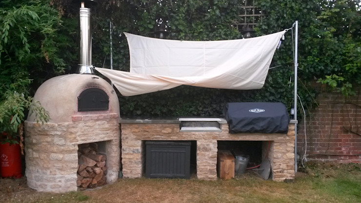 outdoor cooking area Jardin rustique par wood-fired oven Rustique