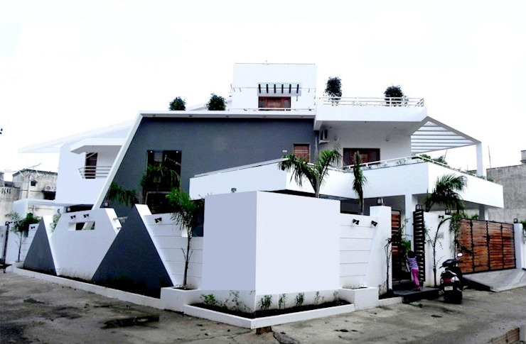 Eclectic style houses by Design Quest Architects Eclectic