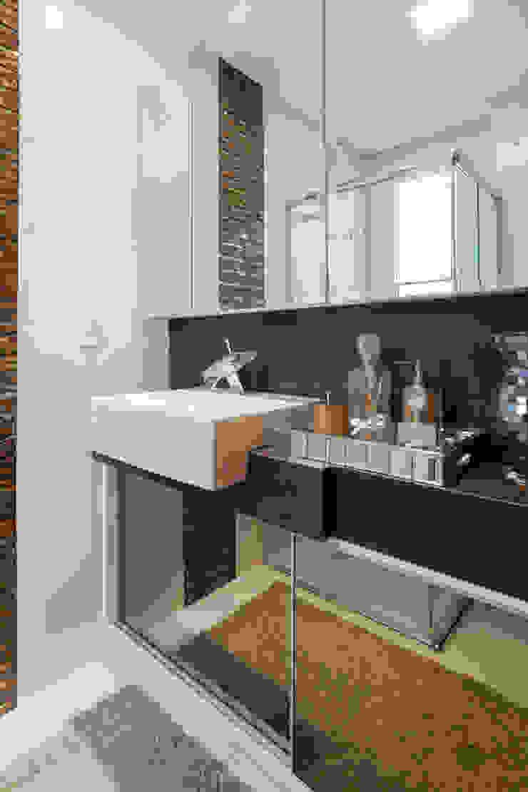 Moderne Badezimmer von ROBERTA FANTON ARQUITETURA INTEGRADA Modern
