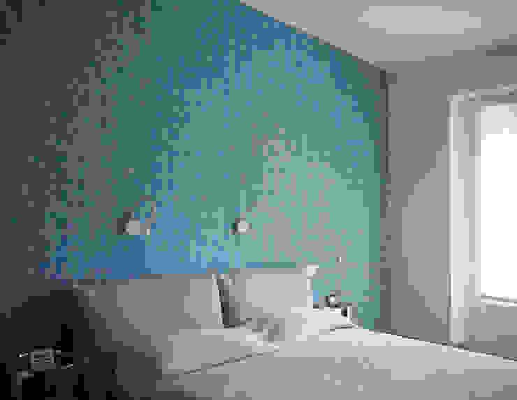HIDDEN SLIDING DOOR Camera da letto moderna di Luigi Brenna Architetto Moderno