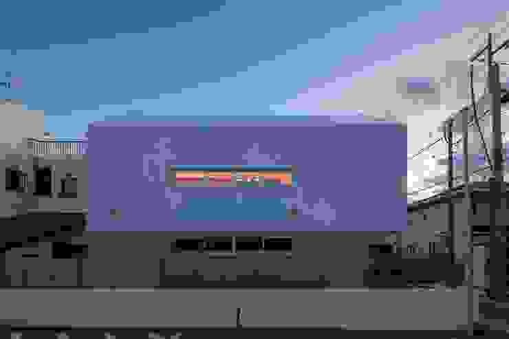 Casas estilo moderno: ideas, arquitectura e imágenes de 有限会社ミサオケンチクラボ Moderno Concreto reforzado