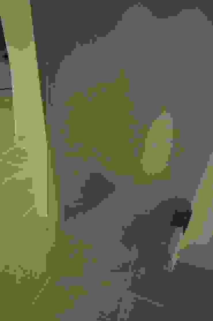 Officina design Couloir, entrée, escaliersPortants & ceintres Verre