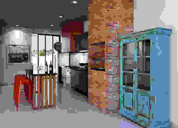 Balcones y terrazas de estilo ecléctico de Lozí - Projeto e Obra Ecléctico