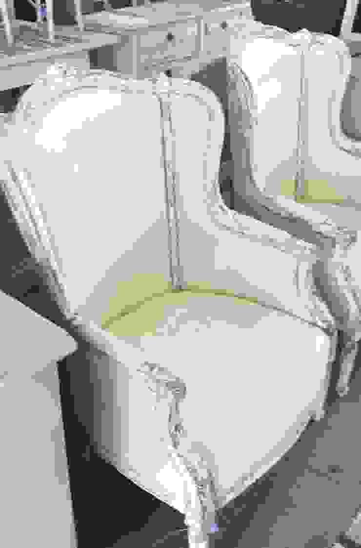 Sofá francés estilo Luis XV de Dos Lunas Deco Clásico