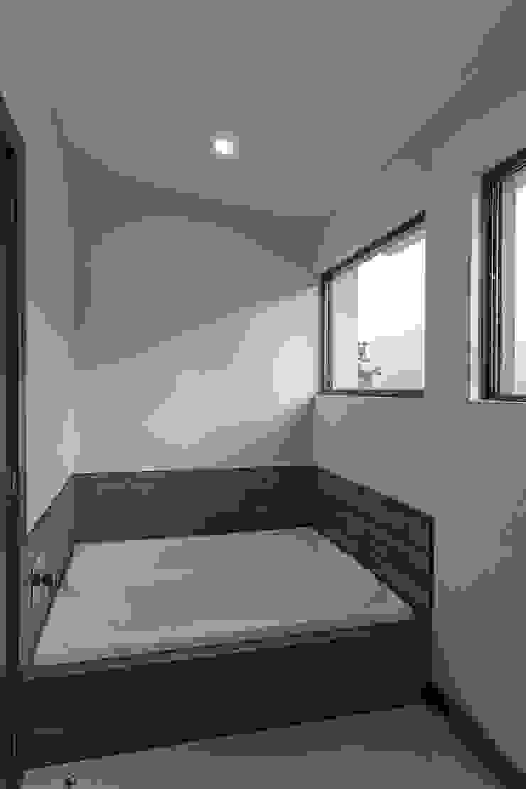 Modern spa by 2M Arquitectura Modern