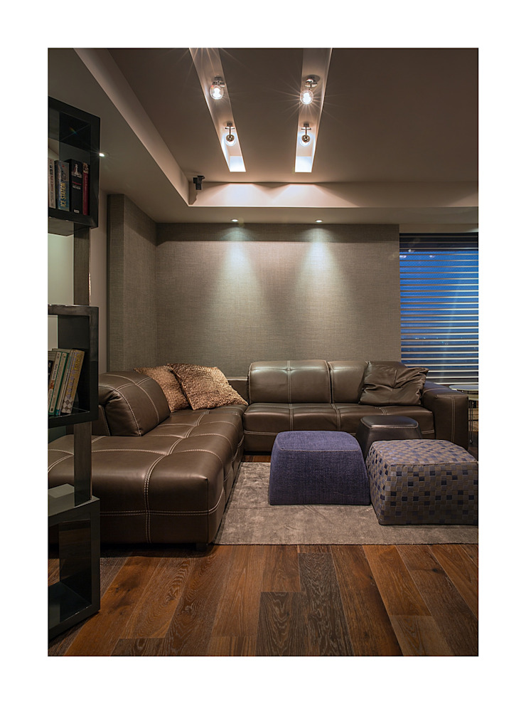 Homes Eclectic style living room by Rakeshh Jeswaani Interior Architects Eclectic