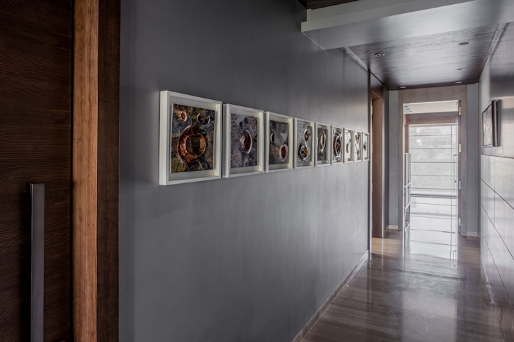 Homes Eclectic style corridor, hallway & stairs by Rakeshh Jeswaani Interior Architects Eclectic
