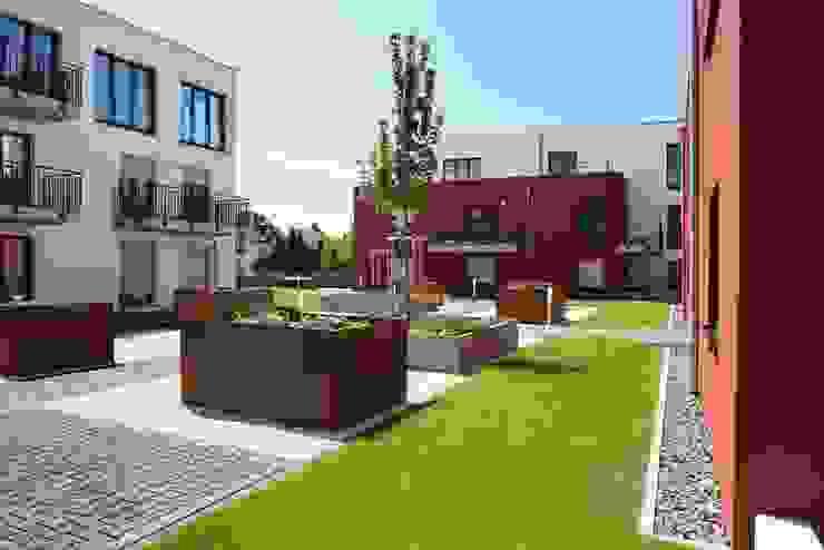 Wohnhäuser Zeppelinstraße integrale planung Moderne Häuser Rot