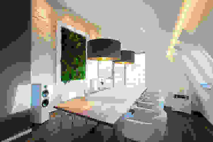 Vorstellung unserer Produkte: Pflanzen- und Moosbilder von styleGREEN Moderne Esszimmer von FlowerArt GmbH | styleGREEN Modern