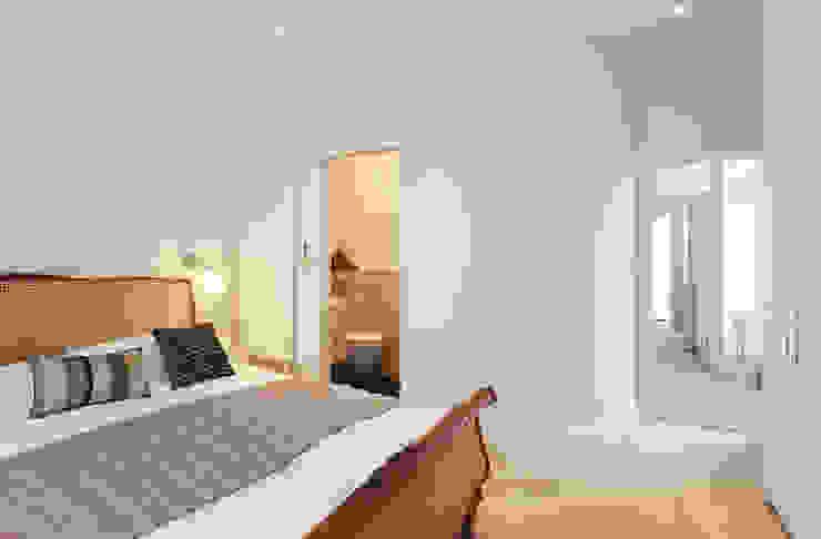 Aproveitar espaços escondidos Quartos clássicos por Architect Your Home Clássico
