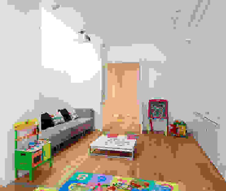 Aproveitar espaços escondidos: Quartos de criança  por Architect Your Home,Moderno