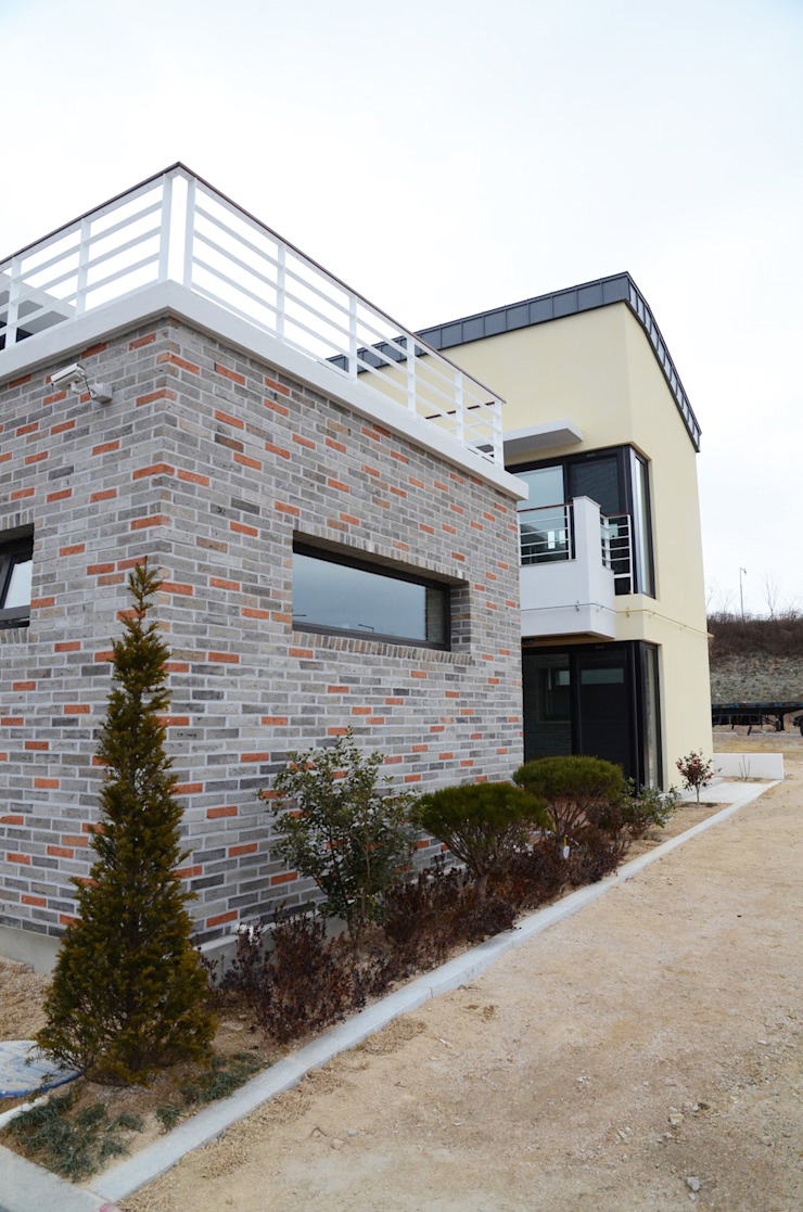 Casas modernas de 건축사사무소 카안 |Architect firm KAAN Moderno