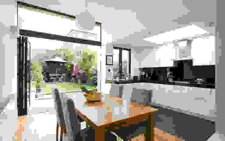 Cozinha aberta para sala Cozinhas modernas por Architect Your Home Moderno
