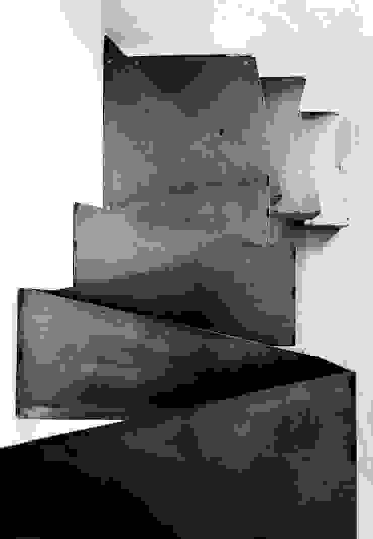 stefania eugeni Industrial style living room Iron/Steel Grey