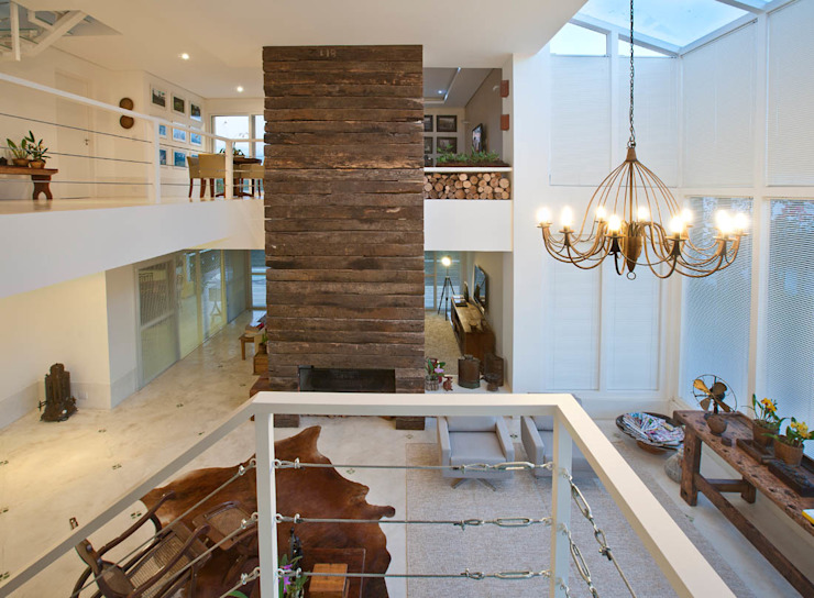 Living: Salas de estar  por IDALIA DAUDT Arquitetura e Design de Interiores