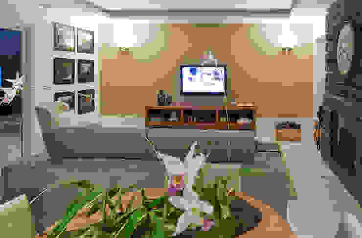 Sala da família Salas multimídia campestres por IDALIA DAUDT Arquitetura e Design de Interiores Campestre