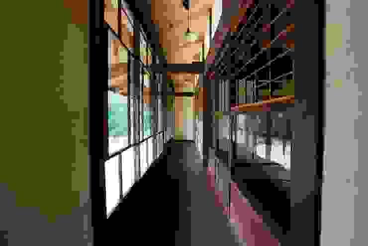 京建具の家 モダンスタイルの 玄関&廊下&階段 の SSD建築士事務所株式会社 モダン 無垢材 多色