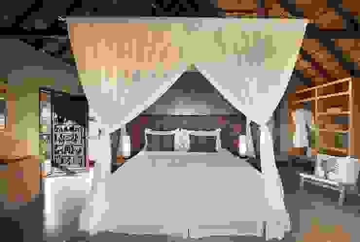 Mhondoro, een Lodge in Zuid-Afrika Moderne slaapkamers van All-In Living Modern