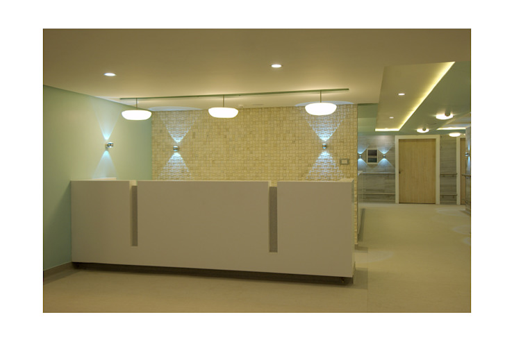 MANIPAL HOSPITAL, BANGALORE. (www.depanache.in) by De Panache - Interior Architects