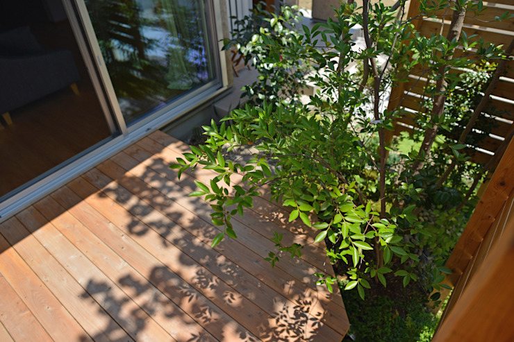 T's Garden Square Co.,Ltd. Asian style balcony, veranda & terrace