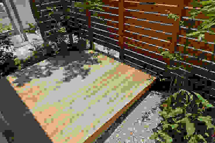 T's Garden Square Co.,Ltd. Balkon, Veranda & TerrasseAccessoires und Dekoration