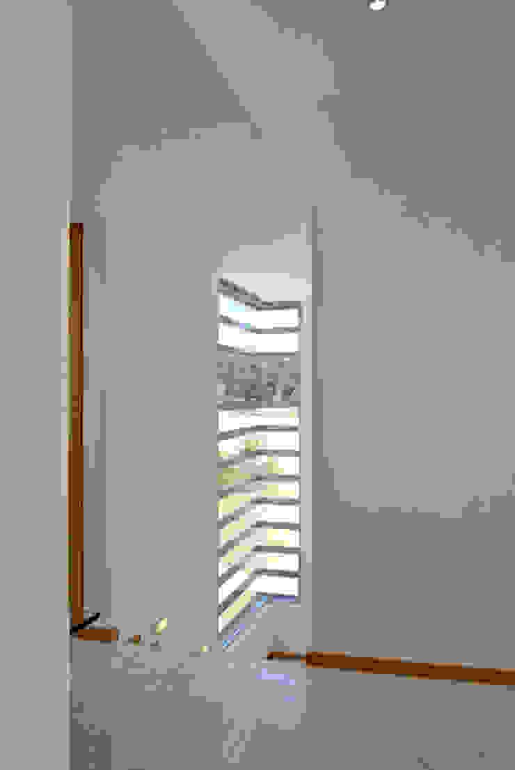 Fotografía: Mito covarrubias Puertas y ventanas modernas de Agraz Arquitectos S.C. Moderno