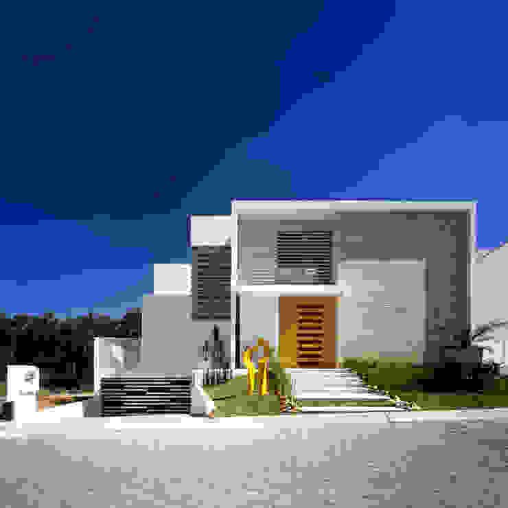 現代房屋設計點子、靈感 & 圖片 根據 Agraz Arquitectos S.C. 現代風