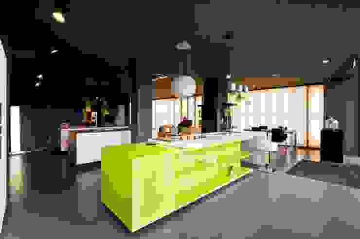 모던스타일 주방 by Atelier fernando alves arquitecto l.da 모던