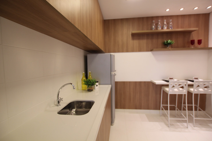 Modern kitchen by Pricila Dalzochio Arquitetura e Interiores Modern Wood Wood effect