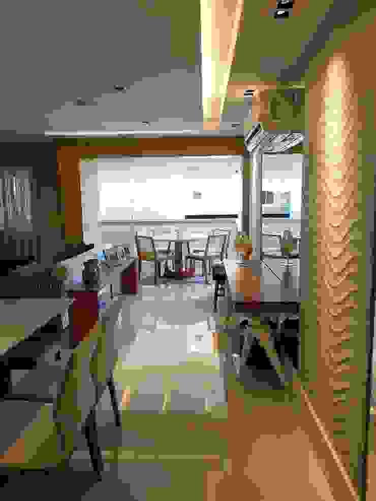 Modern living room by Lucio Nocito Arquitetura e Design de Interiores Modern Ceramic