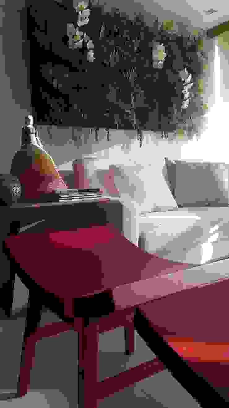 Tropical style balcony, veranda & terrace by Lucio Nocito Arquitetura e Design de Interiores Tropical Wood Wood effect