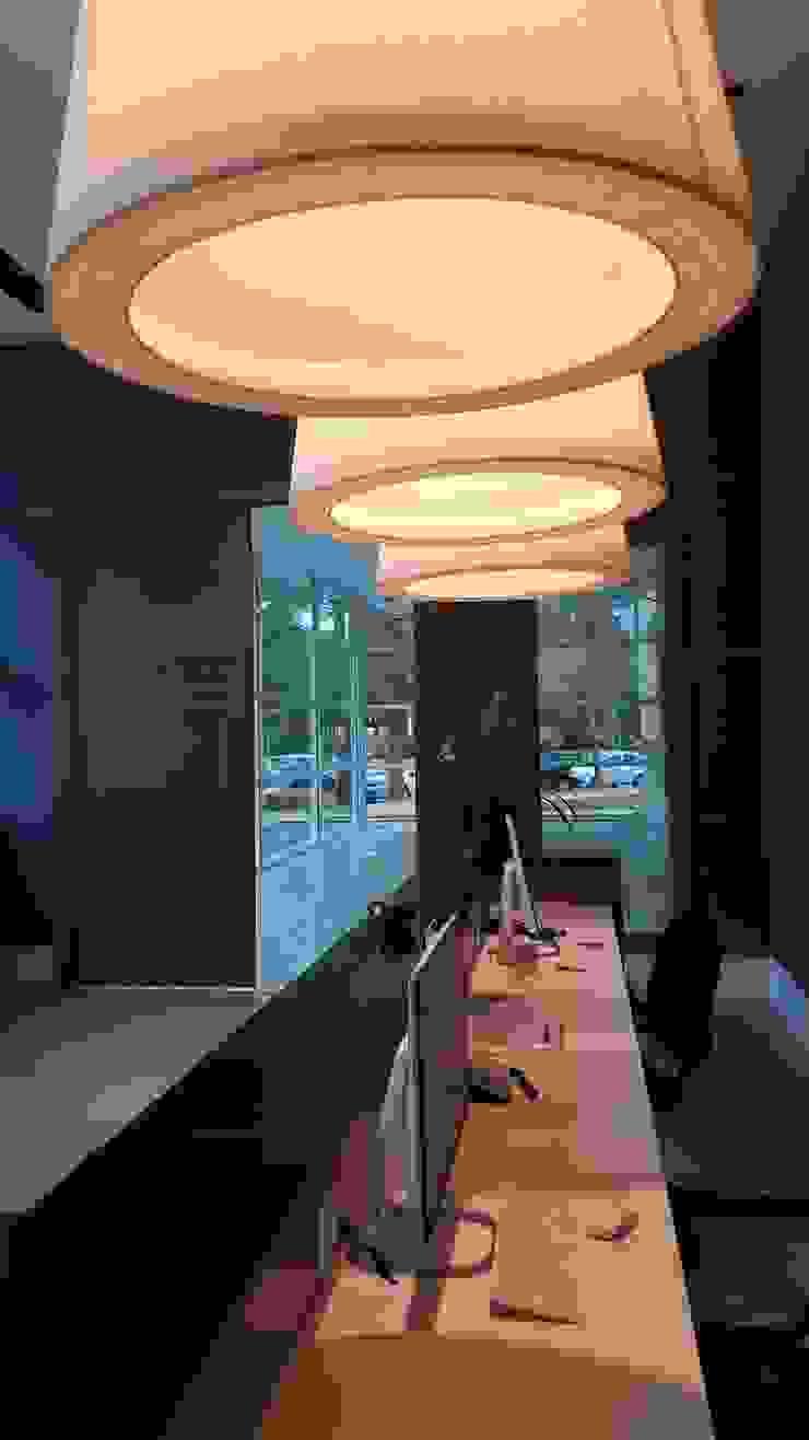 Modern study/office by Lucio Nocito Arquitetura e Design de Interiores Modern Concrete