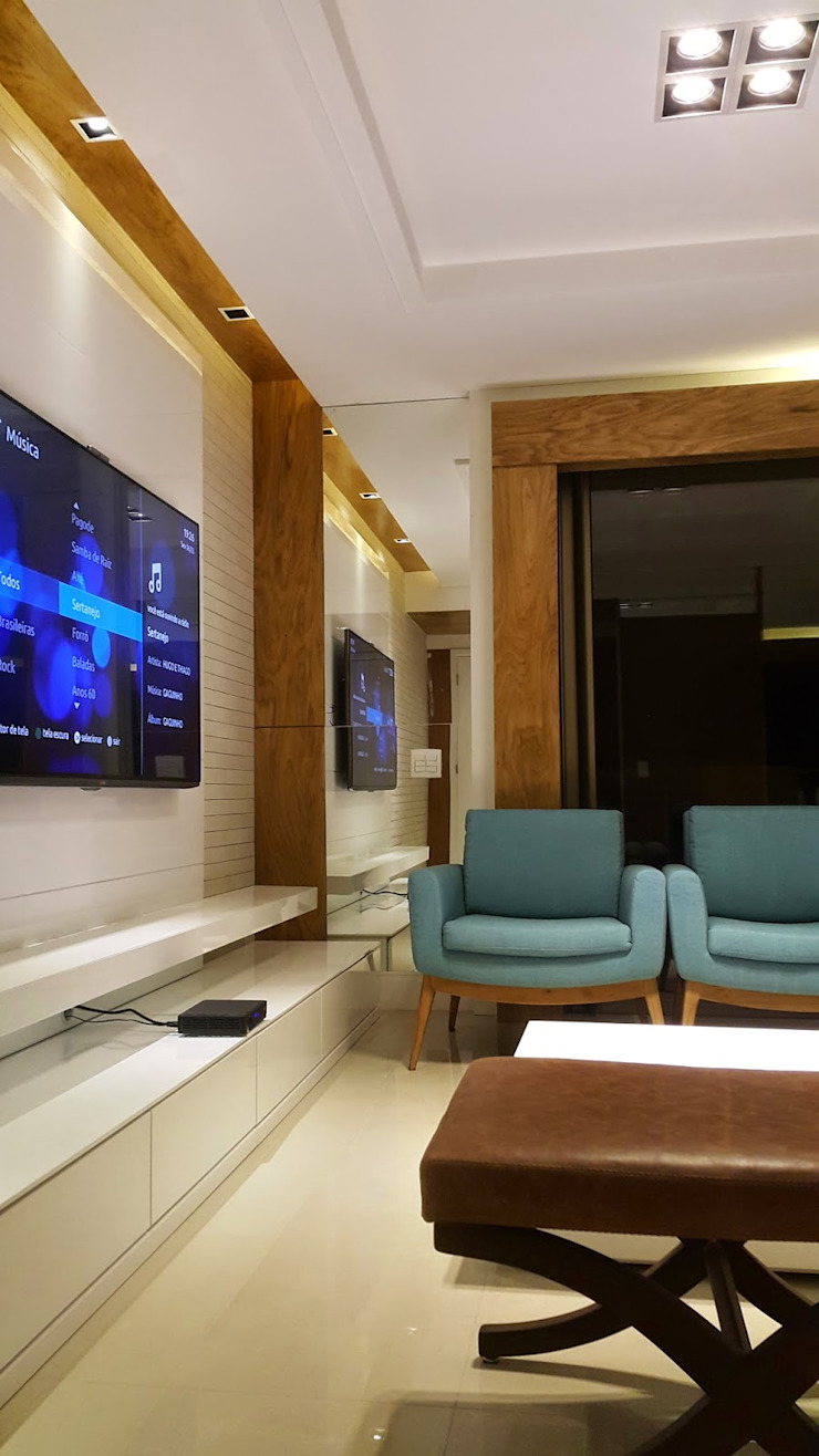 Modern living room by Lucio Nocito Arquitetura e Design de Interiores Modern Engineered Wood Transparent