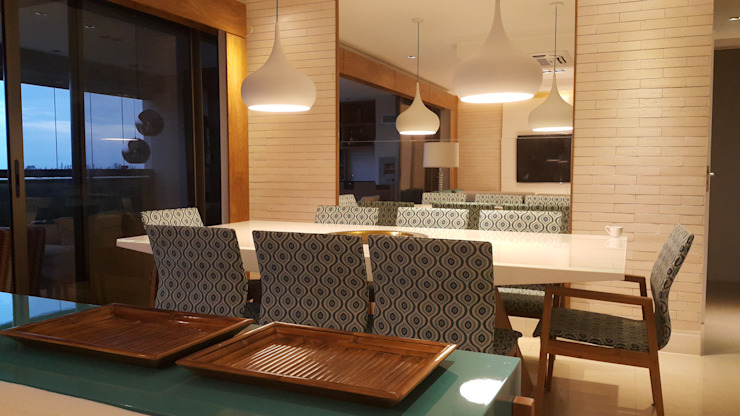 Modern dining room by Lucio Nocito Arquitetura e Design de Interiores Modern Engineered Wood Transparent