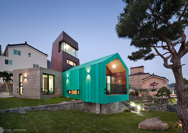 Asian style houses by ON ARCHITECTURE INC. Asian