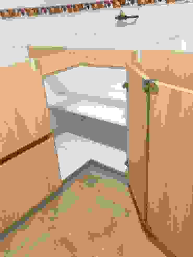 carvallo (cocina moderna) Cocinas de estilo minimalista de N.Muebles Diseños Limitada Minimalista Aglomerado